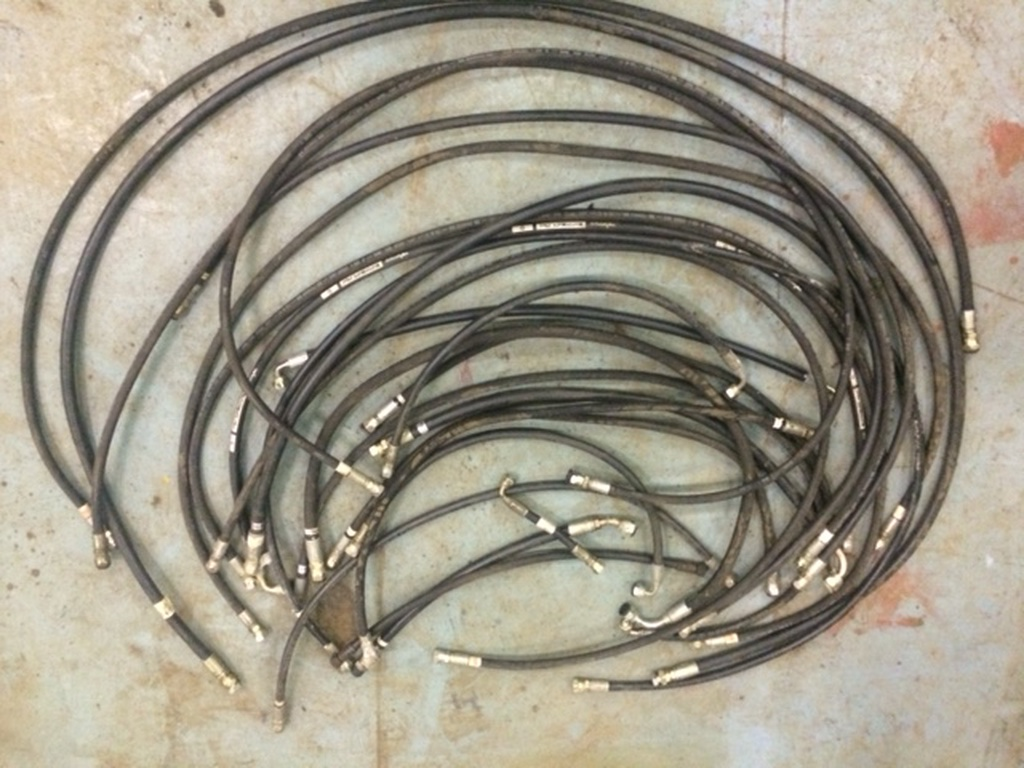 hydrauliek-slangen-hydrauliek-slangen-met-koppelingen-bva