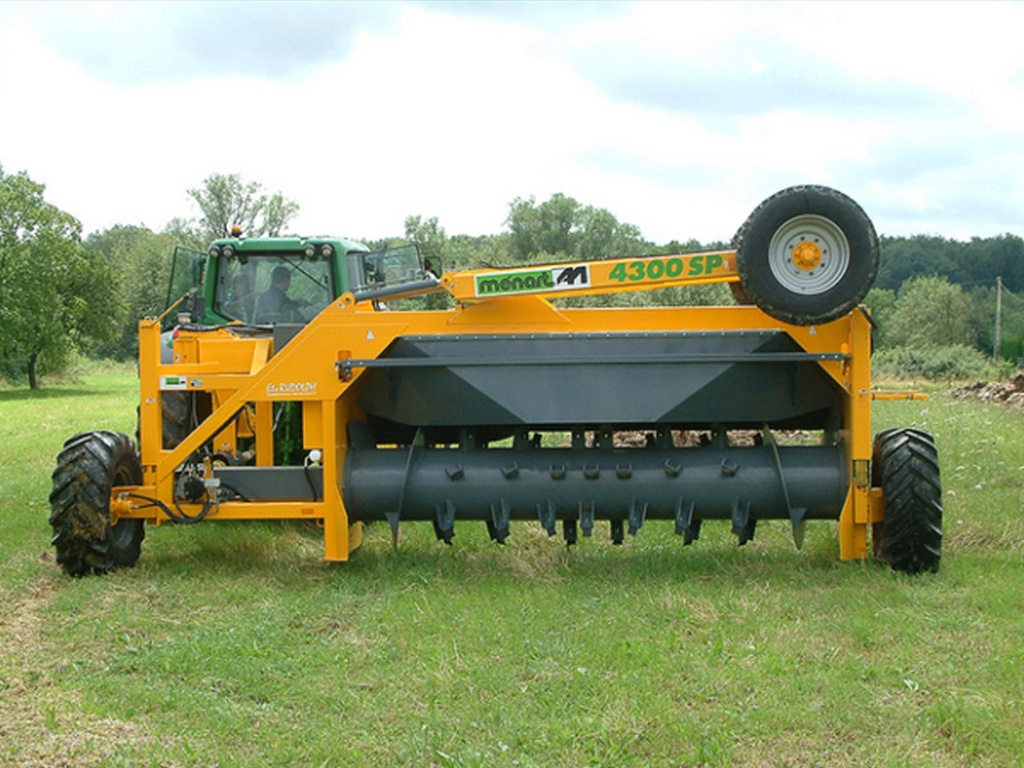 menart-4300-sp-tractor-aangedreven