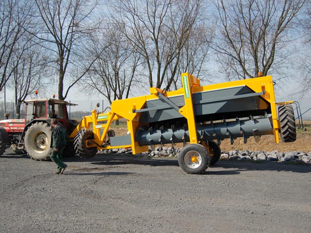 menart-3300-sp-tractor-aangedreven