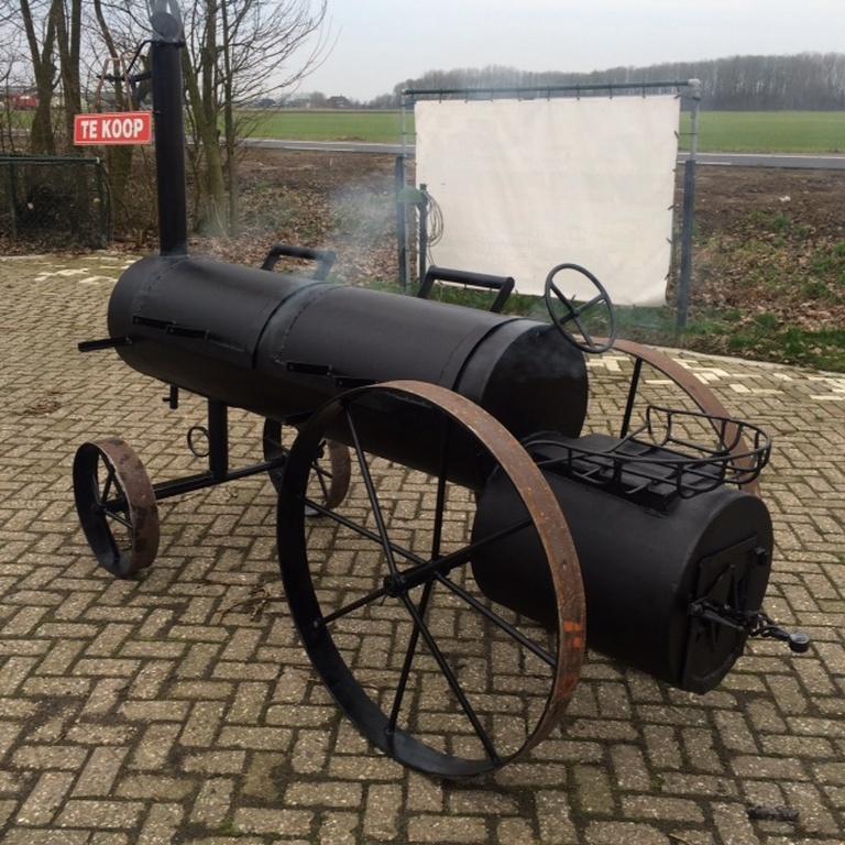 mini-tractor-smoker-smoker-in-werking