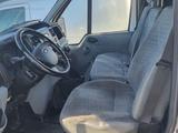 Minituur van Ford Transit 350L 2.2 TDCi 140 gekoelde vrachtwagen